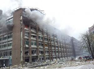אחד ממספר בנייני ממשל שניזוק קשות מפיצוץ מכונית התופת באוסלו