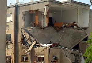 פגיעה ישירה בבניין במלחמת לבנון השנייה