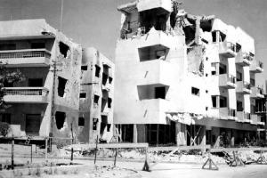 בניין ברחוב פינסקר 57 פינת דרויאנוב שנפגע בהפצצה, 9/9/1940